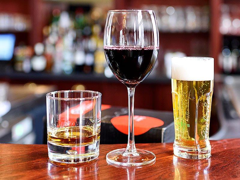 Alkol nedir? Alkol neden ve nasıl yapılır? Alkolün zararları ve tedavi yöntemleri