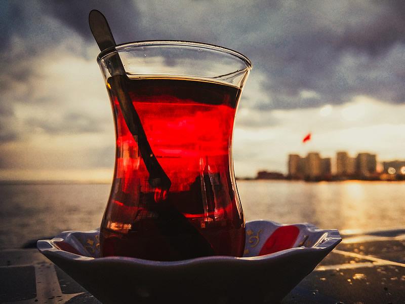 Çok çay içmenin cilde, mideye zararları ve yan etkileri