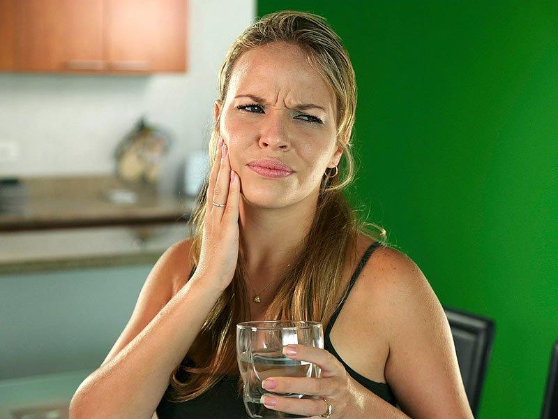 Diş eti hassasiyeti nasıl geçer? Neden olur?