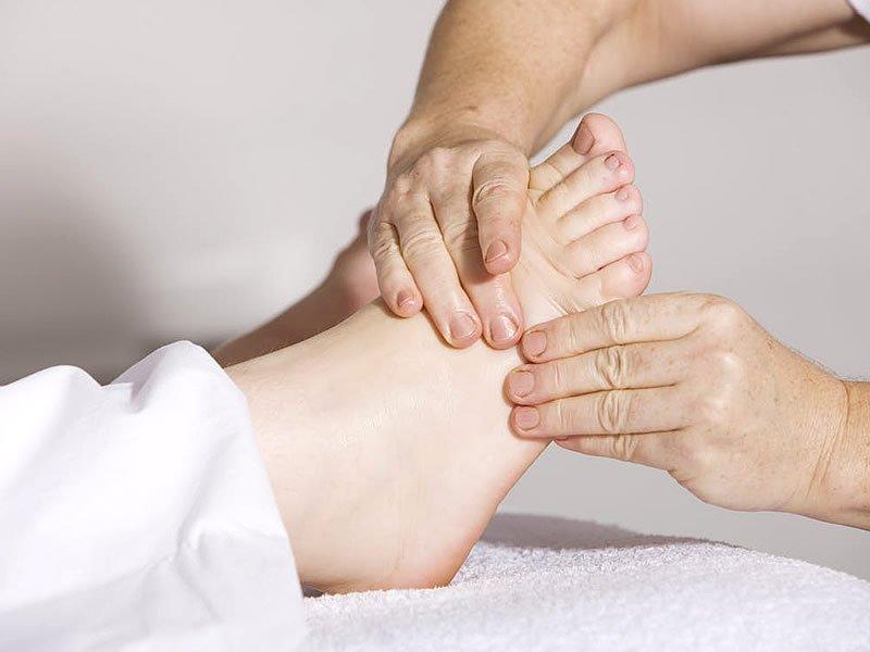 Diyabetik ayak nedir? Tedavisi ve bakımı nasıl olur?