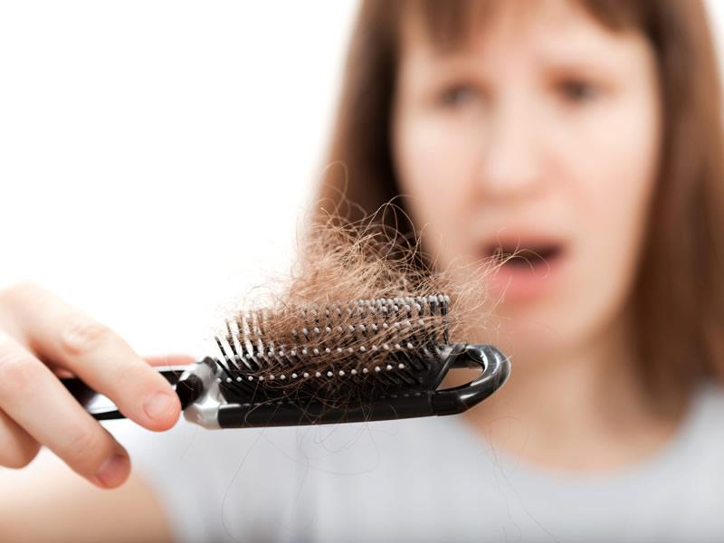 Erkeklerde ve Kadınlarda Günde Ne Kadar Saç Dökülür?