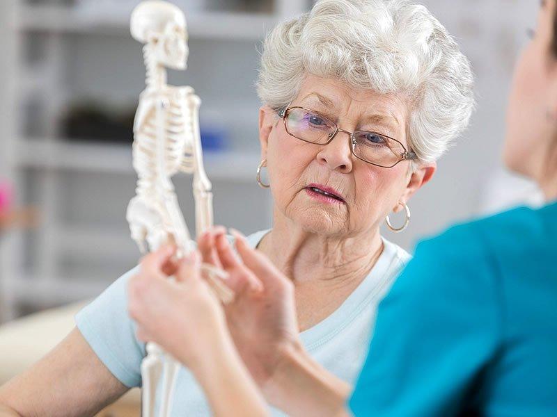 Kemik erimesi belirtileri nedir? Nasıl durdurulur? Tedavisi ne kadar sürer?