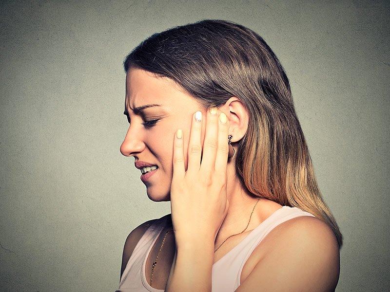 Kulak tıkanıklığı nasıl açılır? Kulak tıkanıklığı temizleme nasıl yapılır? Kulak tıkanıklığı için ilaç ve oksijenli su kullanımı
