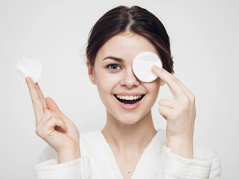 Makyaj temizlemek için doğal yöntemler