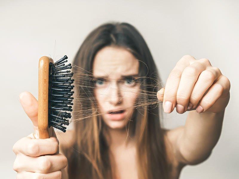 Saç dökülmesini durduran besinler ve yiyecekler