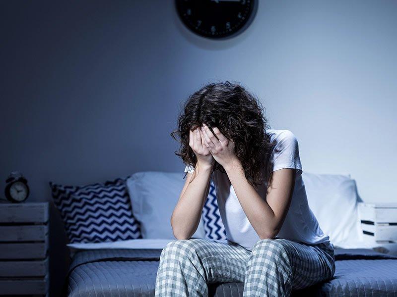 Sürekli uyku hali ve halsizlik için hangi doktora gidilir? Nasıl geçer?