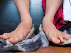 Ayak kokusu nasıl giderilir? Evde bitkisel tedavisi nedir?