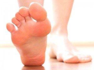 Ayak şişmesi nedenleri nelerdir? Ne iyi gelir?