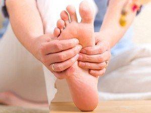 Ayaklarda karıncalanma neden olur? Nasıl geçer?