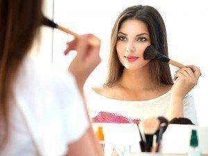 Aydınlatıcı makyaj bazı nedir? Kullanımı, fiyatları ve önerisi