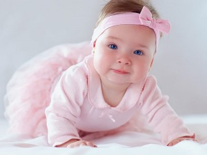 Bebeklerde oturma, emekleme ve yürüme dönemleri