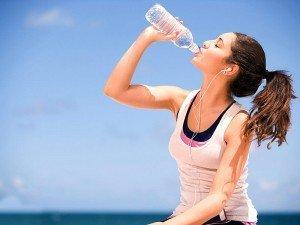Çok su içmek zararlı mı? Çok su içmek zayıflatır mı?