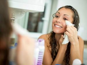 Doğal makyaj temizleme suyu ve yöntemleri