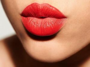Dolgun ve çekici dudaklar için ne yapılmalı?