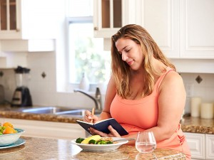 Düşük Kalorili Diyet Listesi Nedir? Zararları Var mı? Yapanlar ve Yorumlar