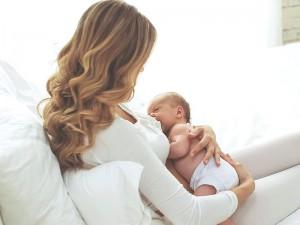 Emziren anne grip olursa ne yapmalı? Emzirebilir mi?