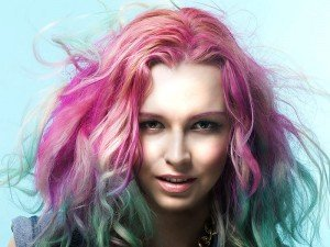 Geçici saç boyası nedir? Nasıl kullanılır? Yapımı ve önerileri