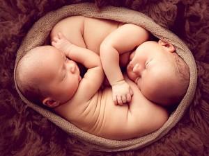 İkiz Bebek Belirtileri Nelerdir? Nasıl Anlaşılır?