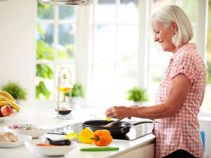 Kadınlar Nasıl Beslenmeli? Neleri Yemeli, Neleri Yememeli?