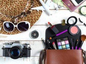 Makyaj çantasında neler olmalı? Makyaj çantasının olmazsa olmazları