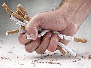 Nikotin bandı nasıl çalışır? Sigarayı bıraktırır mı? Faydaları ve yan etkileri