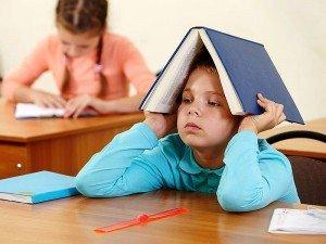 Okul fobisi nedir? Nedenleri, belirtileri ve tedavisi