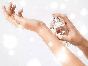 Parfüm nasıl kullanılır? Nasıl sıkılmalı?