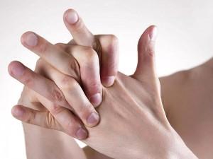 Parmak Çıtlatmanın Zararları ve Kurtulma Yolları Nelerdir?