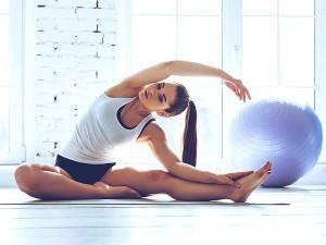 Pilates topu ile zayıflama hareketleri, bacak eritme ve kalça büyütme