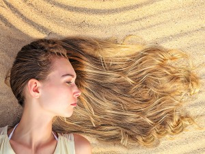 Saç Açıcı Sprey Ne işe Yarar? Nasıl Kullanılır? Zararları Var mı? Kullananlar, Fiyatları