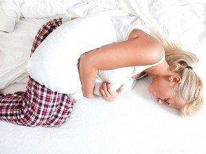 Sağ karın boşluğunda ağrı nedir? hamilelik belirtisimi?