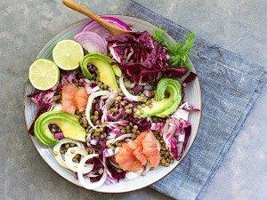 Salata zayıflatırmı? Sadece salata yiyerek kilo verilir mi?