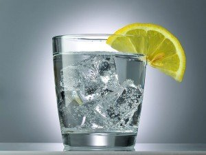 Soda mideyi nasıl rahatlatır? Soda mı maden suyu mu daha faydalı?