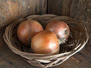 Soğan nedir? Soğanın faydaları, zararları, kalorisi, ph değeri