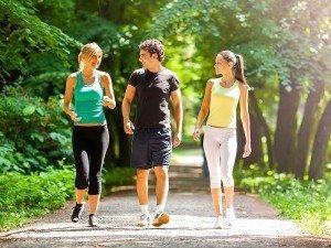 Yürüyüş yapmanın faydaları nelerdir? Zayıflamaya etkisi ve püf noktaları