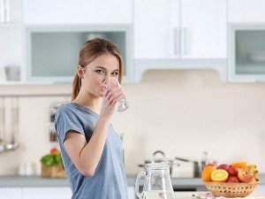 Zayıflamak ve kilo vermek için su ne kadar içilmeli?