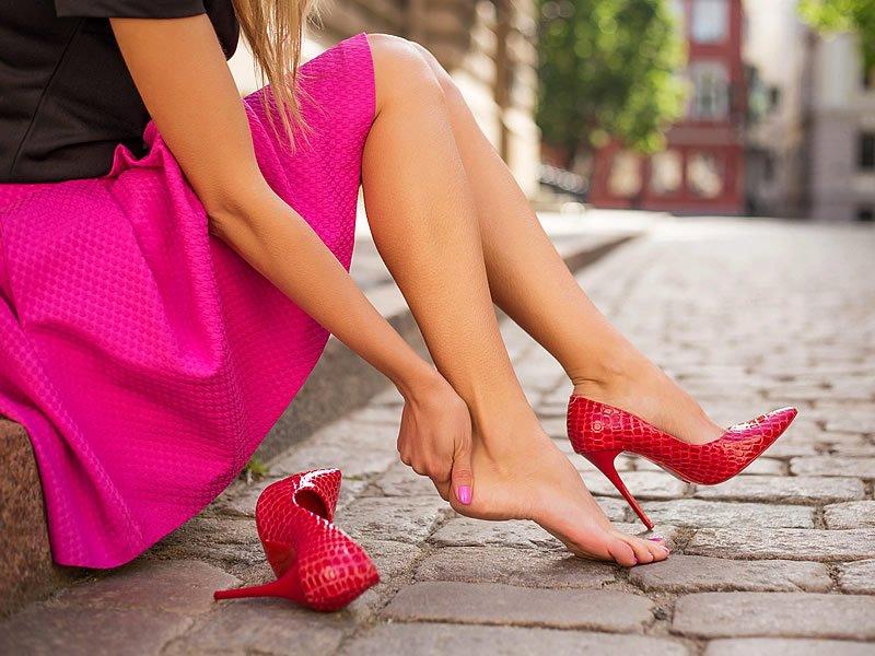 Topuklu ayakkabı ağrısı nasıl geçer?