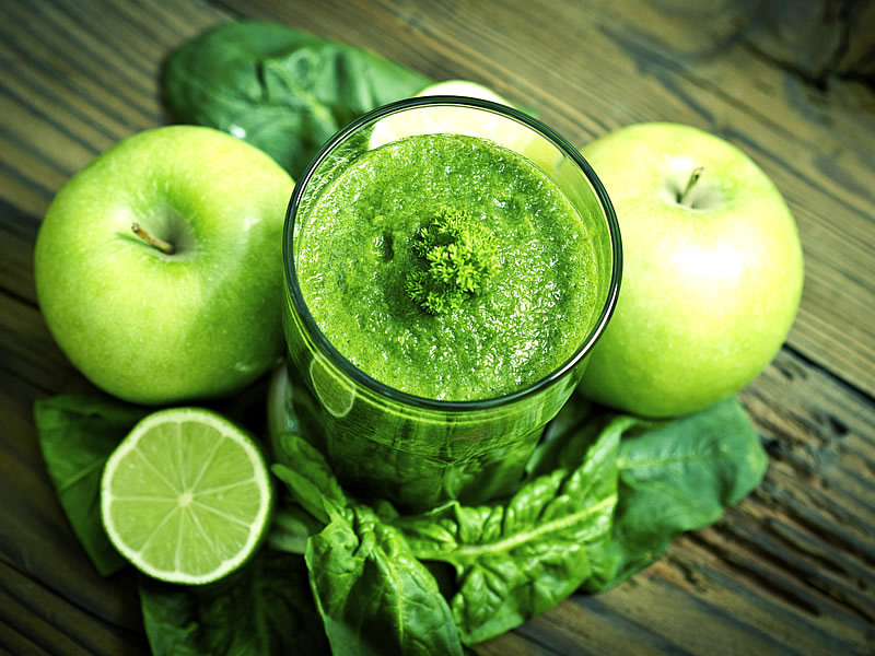 Yeşil Elma Detoksu Nasıl Yapılır? Tarifi, Yapanlar, Faydaları ve Zararları