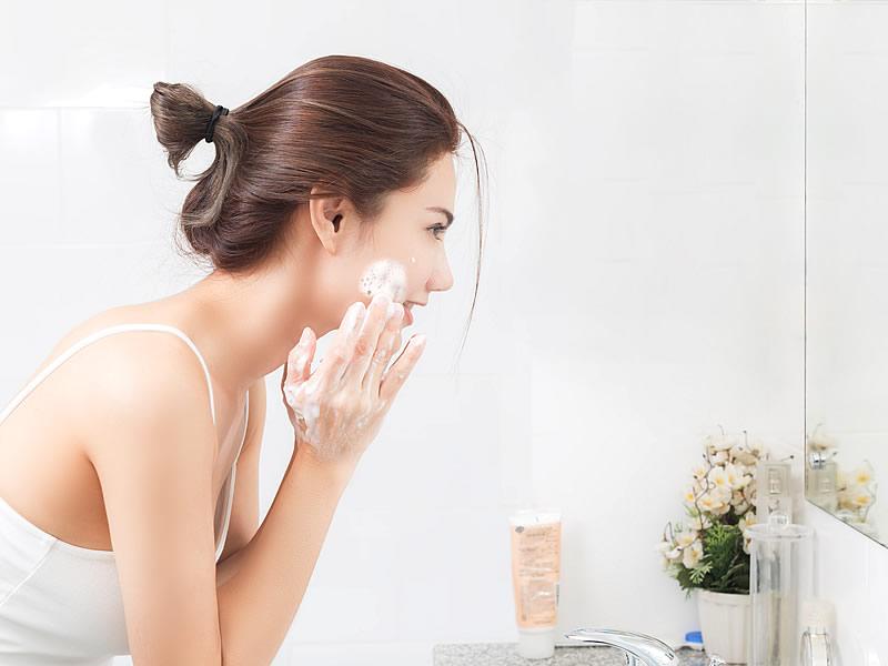 Yüz Temizleme Fırçası ve Cihazı İşe Yarar mı?